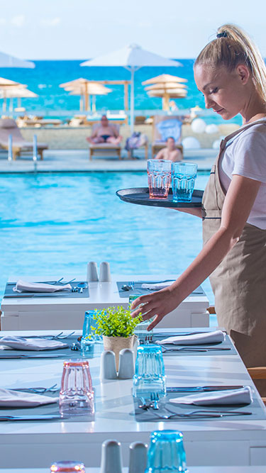 Enorme Lifestyle Beach Resort Hotel