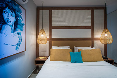 Double Plus Swim Up